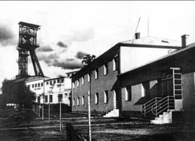 Antonin - opravené administrativní budovy